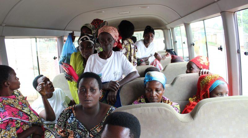 Entretien avec les femmes apicultrices après le voyage d'échange d'expérience