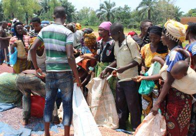 Les indigents de Nyanza-Lac très heureux de recevoir des semences